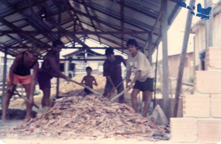 Construção do Centro Social Roger Cunha.